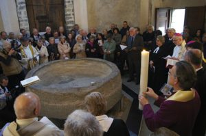 Lundi de Pâques, 21 avril 2014. Dans le baptistère de Riva San Vitale, Tessin.