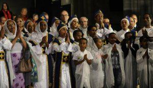 Célébration oecuménique dans la cathédrale de Lausanne. 1.9.2013. Les responsables des diverses Églises avec la chorale de l'Église orthodoxe érythréenne.